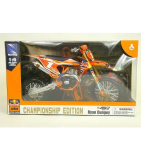 Moto Miniature New Ray Moto Factory Racing Team Ryan Dungey N°1 plaque Rouge 1/6 Miniature Officiel Motocross